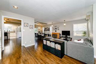 Photo 4: 833 QUADLING Avenue in Coquitlam: Coquitlam West 1/2 Duplex for sale : MLS®# R2407327