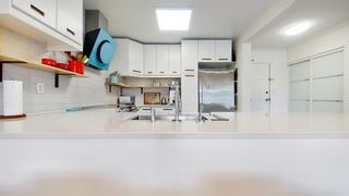 """Photo 17: 408 2288 W 12TH Avenue in Vancouver: Kitsilano Condo for sale in """"CONNAUGHT POINT"""" (Vancouver West)  : MLS®# R2594302"""