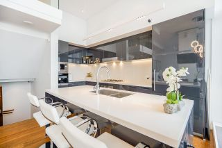 """Photo 14: PH7 777 RICHARDS Street in Vancouver: Downtown VW Condo for sale in """"TELUS GARDEN"""" (Vancouver West)  : MLS®# R2621285"""