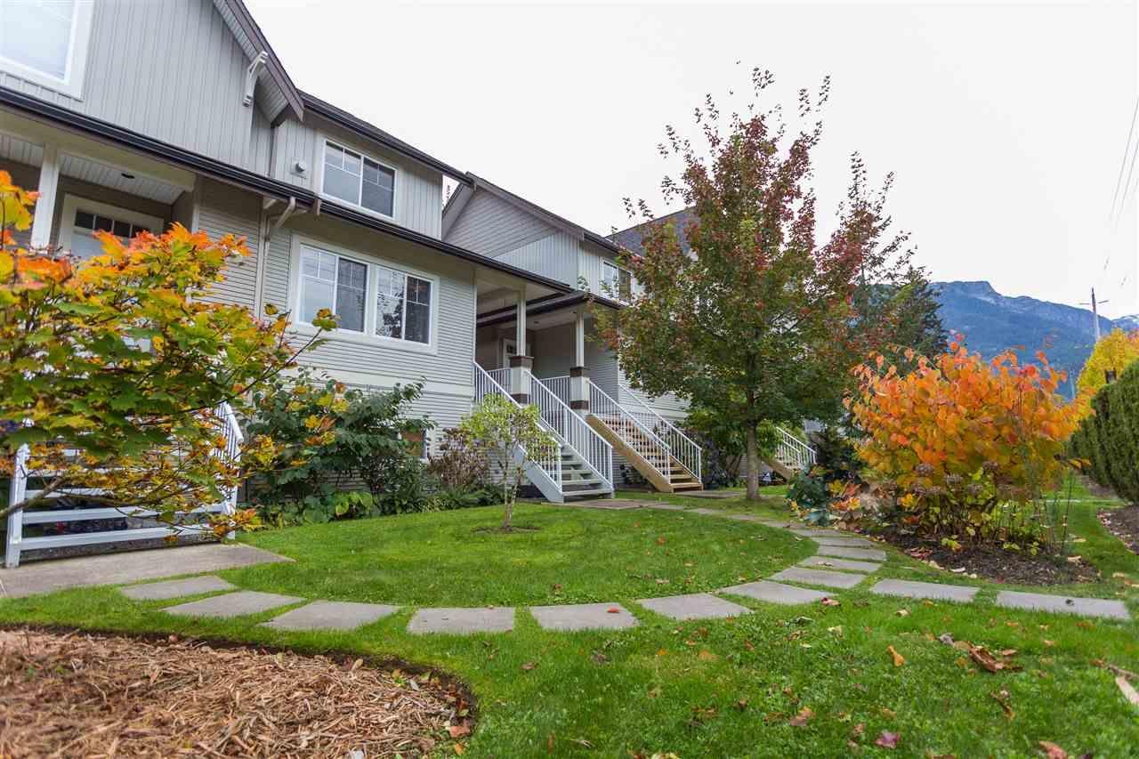 Main Photo: 11 1800 MAMQUAM ROAD in Squamish: Garibaldi Estates 1/2 Duplex for sale : MLS®# R2116468