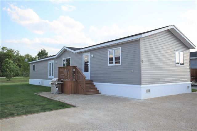 Main Photo: 15 TIMBER Lane in St Clements: Pineridge Trailer Park Residential for sale (R02)  : MLS®# 1907902