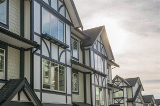 """Photo 2: 34 11188 72 Avenue in Delta: Sunshine Hills Woods Townhouse for sale in """"Chelsea Gate"""" (N. Delta)  : MLS®# R2448564"""