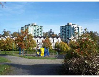 """Photo 10: 1201 2733 CHANDLERY Place in Vancouver: Fraserview VE Condo for sale in """"RIVER DANCE"""" (Vancouver East)  : MLS®# V673302"""