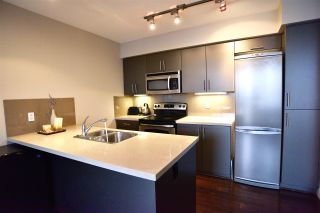 """Photo 6: 305 9009 CORNERSTONE Mews in Burnaby: Simon Fraser Univer. Condo for sale in """"THE HUB"""" (Burnaby North)  : MLS®# R2422237"""