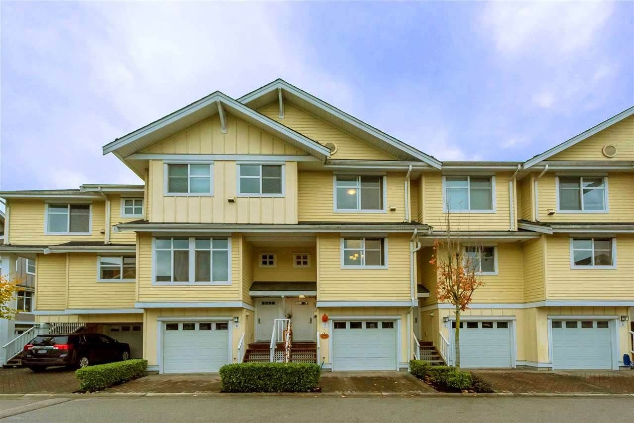 """Photo 1: Photos: 7 935 EWEN Avenue in New Westminster: Queensborough Townhouse for sale in """"COOPERS LANDING"""" : MLS®# R2368052"""