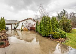 Photo 1: 1209 JUDD Road in Squamish: Brackendale 1/2 Duplex for sale : MLS®# R2224655