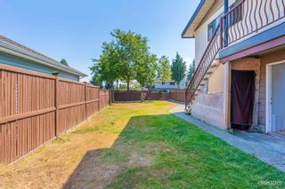 Photo 4: 15671 15673 88 AVE in Surrey: Fleetwood Tynehead Duplex for sale : MLS®# R2610439