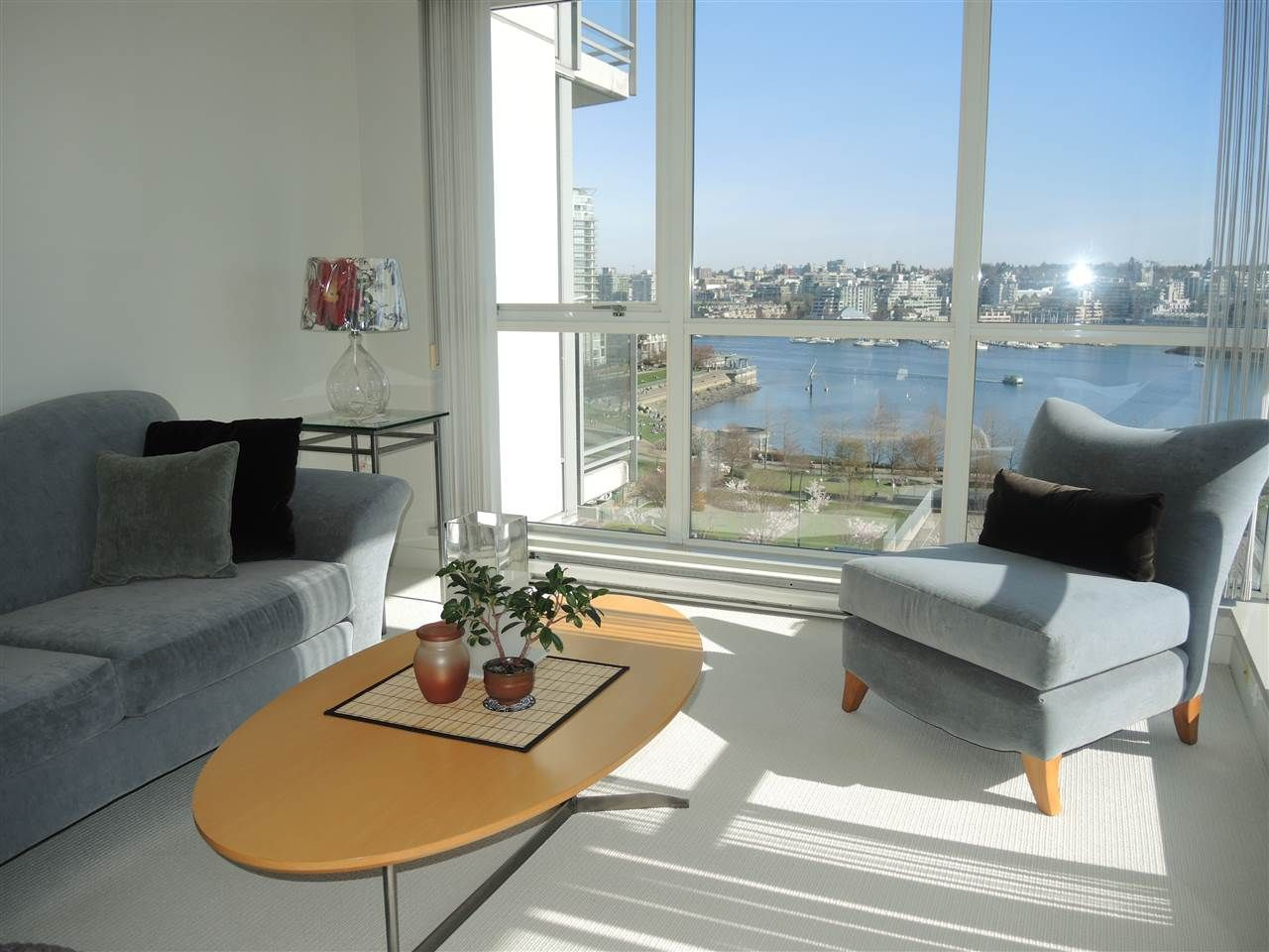 Photo 2: Photos: 902 1408 STRATHMORE MEWS in Vancouver: Yaletown Condo for sale (Vancouver West)  : MLS®# R2011692