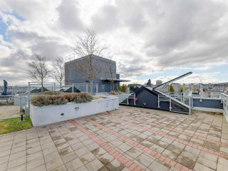 """Photo 3: 1806 111 E 1ST Avenue in Vancouver: Mount Pleasant VE Condo for sale in """"BLOCK 100"""" (Vancouver East)  : MLS®# R2614472"""
