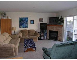 """Photo 3: 19 1821 WILLOW Crescent in Squamish: Garibaldi Estates Townhouse for sale in """"WILLOW VILLAGE"""" : MLS®# V668258"""