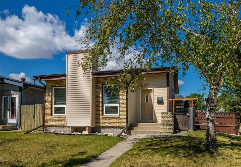 Main Photo: 30 Clearview Drive in Winnipeg: All Season Estates Residential for sale (3H)  : MLS®# 202020715