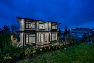 Photo 2: 5410 PATRICK Street in Burnaby: South Slope House for sale (Burnaby South)  : MLS®# R2472968