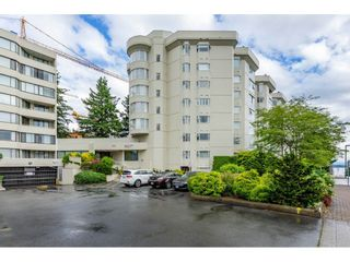 """Photo 2: 215 1442 FOSTER Street: White Rock Condo for sale in """"White Rock Square Tower 3"""" (South Surrey White Rock)  : MLS®# R2538444"""