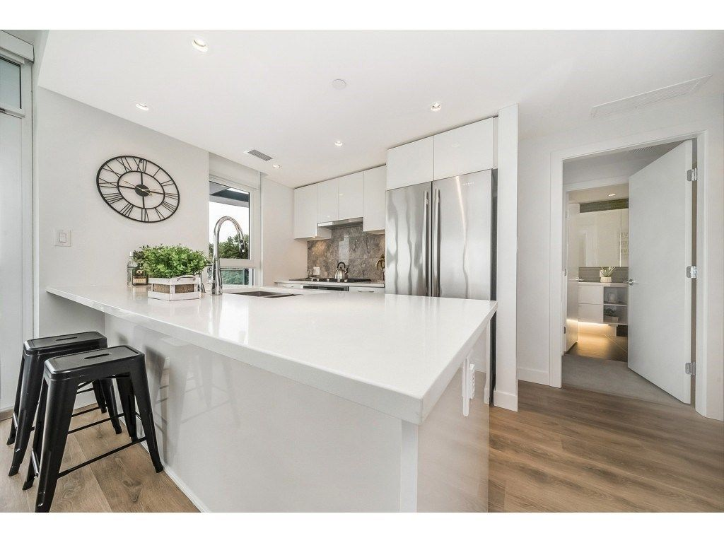 """Main Photo: 908 8538 RIVER DISTRICT Crossing in Vancouver: Champlain Heights Condo for sale in """"ONE TOWN CENTRE"""" (Vancouver East)  : MLS®# R2280873"""