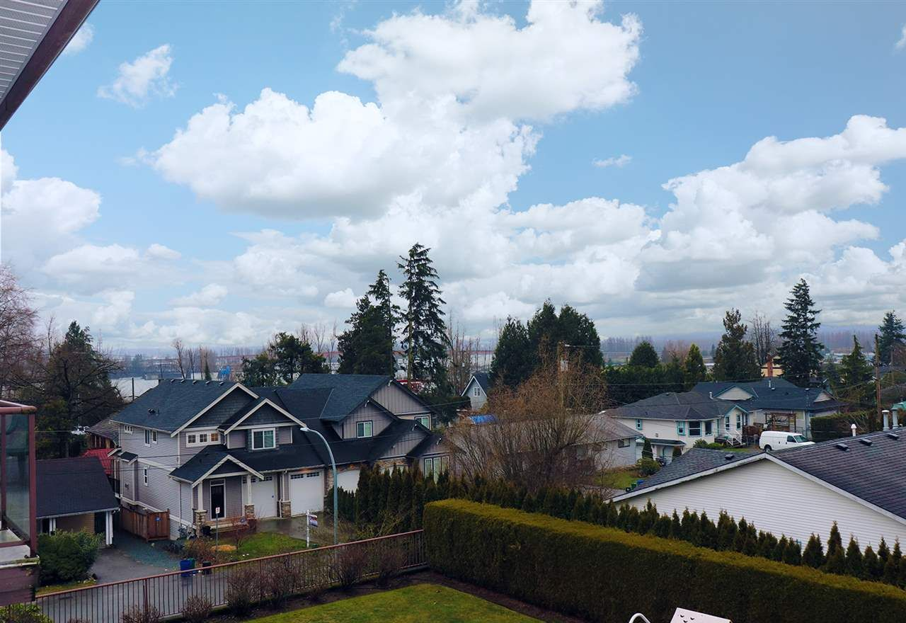 """Photo 3: Photos: 304 33599 2ND Avenue in Mission: Mission BC Condo for sale in """"Stave Lake Landing"""" : MLS®# R2430691"""