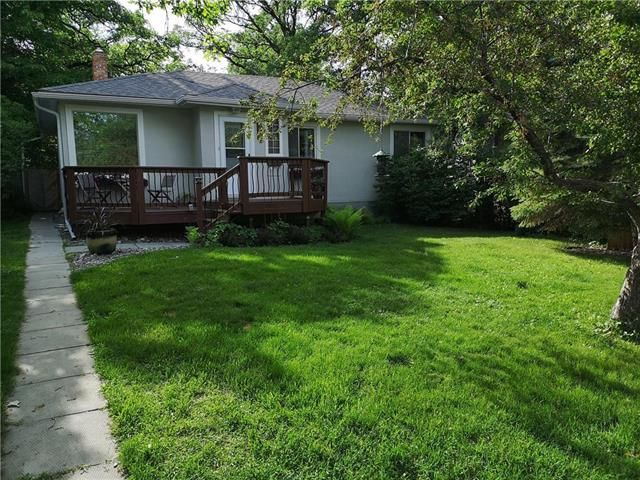 Main Photo: 136 Woodhaven Boulevard in Winnipeg: Woodhaven Residential for sale (5F)  : MLS®# 1913746