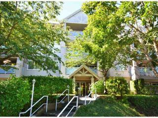 """Photo 1: 207 15140 29A Avenue in Surrey: King George Corridor Condo for sale in """"The Sands"""" (South Surrey White Rock)  : MLS®# F1422962"""