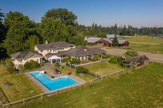 Photo 2: 3473 Dove Creek Rd in : CV Courtenay West House for sale (Comox Valley)  : MLS®# 880284