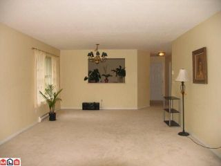 """Photo 5: 222 12633 72ND Avenue in Surrey: West Newton Condo for sale in """"College Park"""" : MLS®# F1124602"""