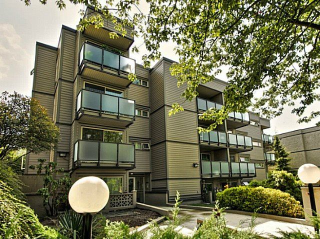 """Photo 2: Photos: 205 1864 FRANCES Street in Vancouver: Hastings Condo for sale in """"LANDVIEW PLACE"""" (Vancouver East)  : MLS®# R2077261"""