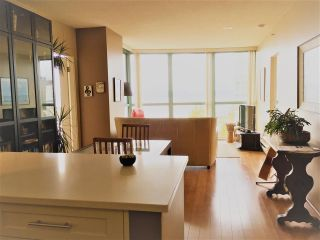 Photo 4: 1801 907 BEACH AVENUE in Vancouver: Yaletown Condo for sale (Vancouver West)  : MLS®# R2363755