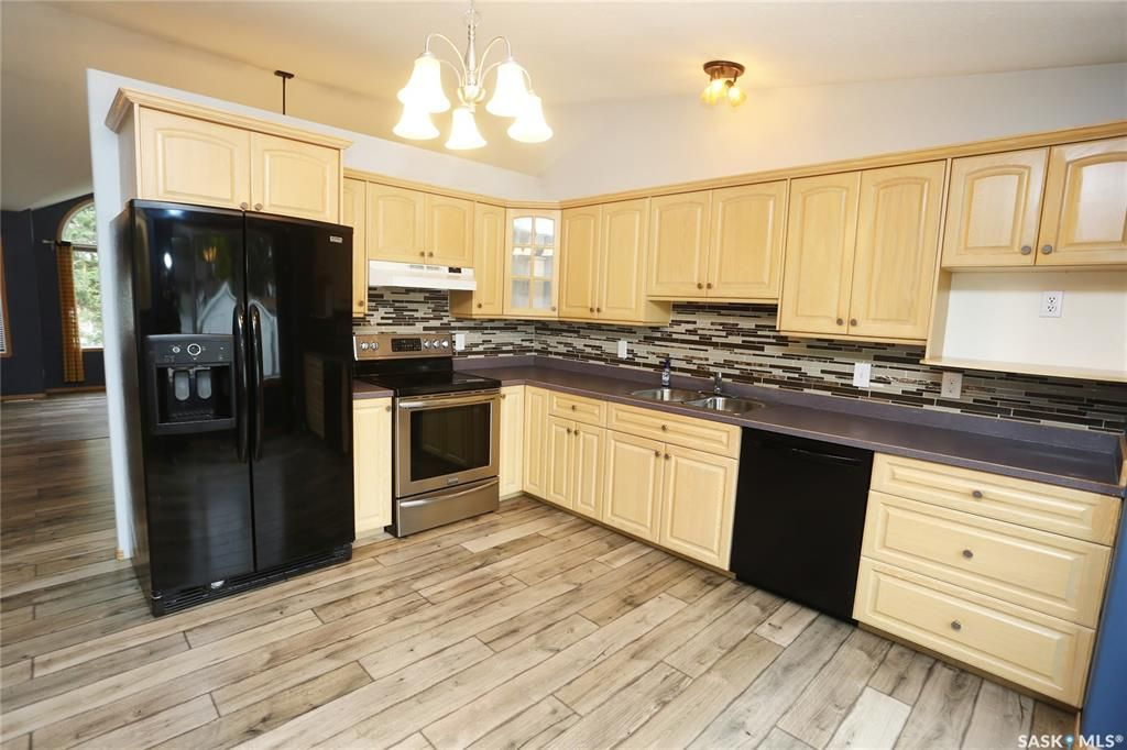 Photo 13: Photos: 206 1st Avenue North in Warman: Residential for sale : MLS®# SK796281