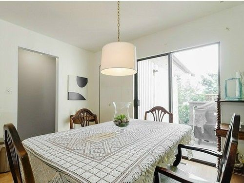 Main Photo: 1043 CANYON Blvd in North Vancouver: Home for sale : MLS®# V1001521