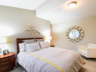 """Photo 15: 304 3088 W 41ST Avenue in Vancouver: Kerrisdale Condo for sale in """"LANESBOROUGH"""" (Vancouver West)  : MLS®# R2323364"""