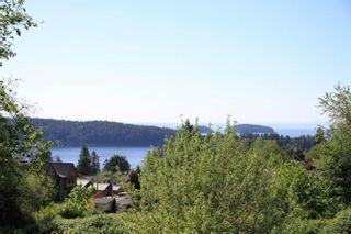 Photo 3: 715 HILLCREST ROAD in Gibsons: Gibsons & Area House for sale (Sunshine Coast)  : MLS®# R2064358