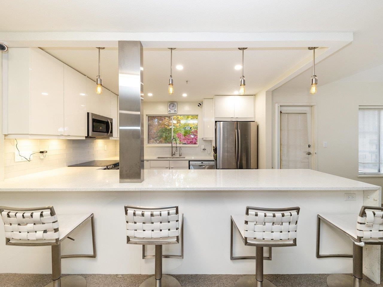 """Main Photo: 303 1009 HOWAY Street in New Westminster: Uptown NW Condo for sale in """"HUNTINGTON WEST"""" : MLS®# R2605400"""