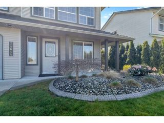 "Photo 2: 34644 FARMER Road in Abbotsford: Poplar House for sale in ""Huntington Village"" : MLS®# R2560733"