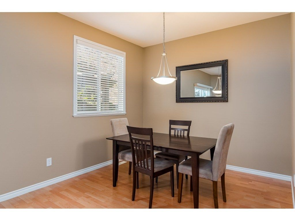"""Photo 16: Photos: 5 6588 188 Street in Surrey: Cloverdale BC Townhouse for sale in """"HILLCREST PLACE"""" (Cloverdale)  : MLS®# R2532394"""