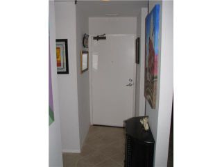 Photo 9: PACIFIC BEACH Condo for sale : 1 bedrooms : 4015 Crown Point Drive #203 in San Diego