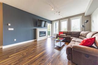 """Photo 8: 210 5665 177B Street in Surrey: Cloverdale BC Condo for sale in """"LINGO"""" (Cloverdale)  : MLS®# R2576920"""