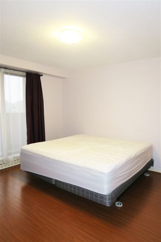 """Photo 9: 802 6611 COONEY Road in Richmond: Brighouse Condo for sale in """"MANHATTAN TOWER"""" : MLS®# R2143069"""