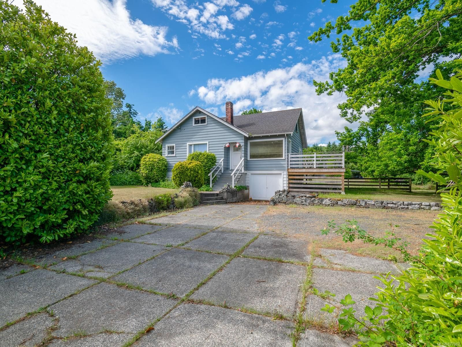 Main Photo: 7261 Lantzville Rd in : Na Lower Lantzville House for sale (Nanaimo)  : MLS®# 877987