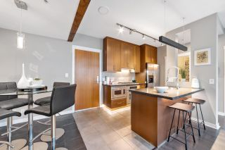 """Photo 13: 302 1189 MELVILLE Street in Vancouver: Coal Harbour Condo for sale in """"THE MELVILLE"""" (Vancouver West)  : MLS®# R2611872"""