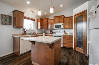 Photo 2: 607 1st Avenue North in Warman: Residential for sale : MLS®# SK858706