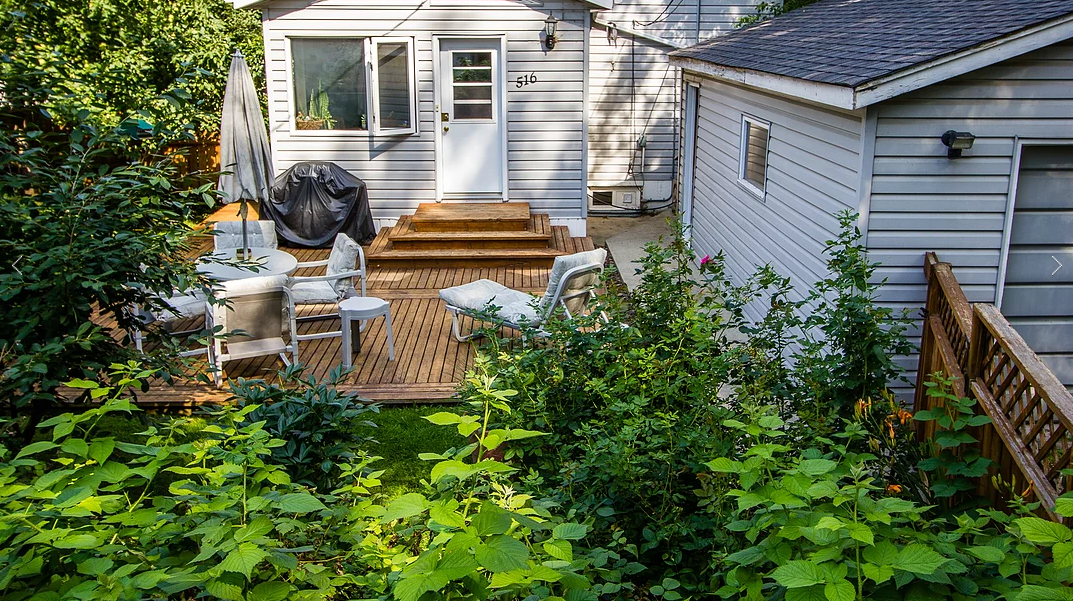 Main Photo: 516 Oakenwald: Residential for sale
