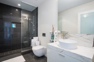 """Photo 29: 102 277 THURLOW Street in Vancouver: Coal Harbour Townhouse for sale in """"Three Harbour Green"""" (Vancouver West)  : MLS®# R2586618"""