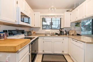 Photo 6: 832 MACINTOSH STREET in Coquitlam: Harbour Chines House for sale : MLS®# R2223774