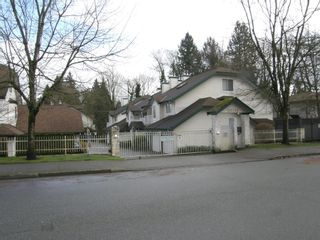 Photo 1: 108 10308 155A Street in PADDINGTON PLACE: Home for sale : MLS®# R2035831