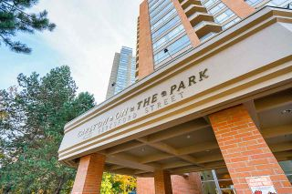 """Photo 3: 2102 4350 BERESFORD Street in Burnaby: Metrotown Condo for sale in """"CARLTON ON THE PARK"""" (Burnaby South)  : MLS®# R2542604"""