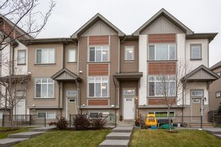 Photo 1: 628 Copperpond Boulevard SE in Calgary: Copperfield Row/Townhouse for sale : MLS®# A1067313