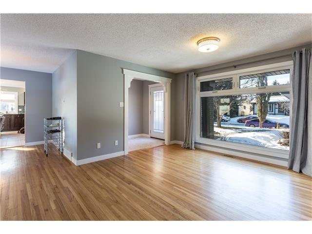 Photo 5: Photos: 36 OAKBURY Place SW in Calgary: Oakridge House for sale : MLS®# C4101941