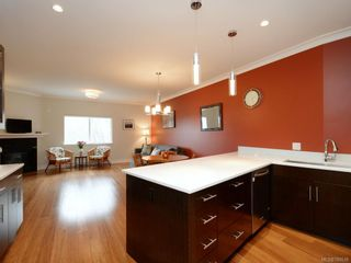 Photo 2: 7 2321 Island View Rd in Central Saanich: CS Island View Row/Townhouse for sale : MLS®# 780518