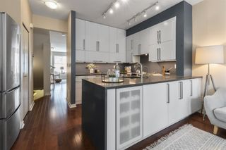 """Photo 5: 8583 AQUITANIA Place in Vancouver: South Marine Townhouse for sale in """"SOUTHAMPTON"""" (Vancouver East)  : MLS®# R2608907"""