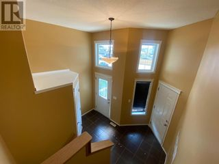 Photo 3: 648 Bankview Drive in Drumheller: House for sale : MLS®# A1131346