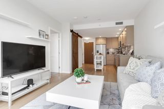 """Photo 4: 804 1708 ONTARIO Street in Vancouver: Mount Pleasant VE Condo for sale in """"Pinnacle on the Park"""" (Vancouver East)  : MLS®# R2545079"""