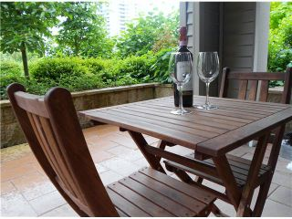 """Photo 8: 107 2088 BETA Avenue in Burnaby: Brentwood Park Condo for sale in """"MEMENTO"""" (Burnaby North)  : MLS®# V956831"""